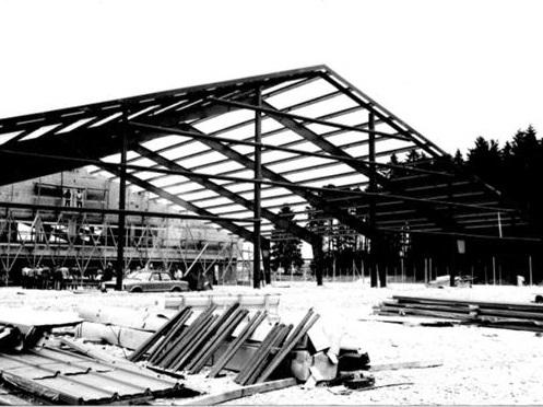 über uns -Geschichte - Rohbau Halle