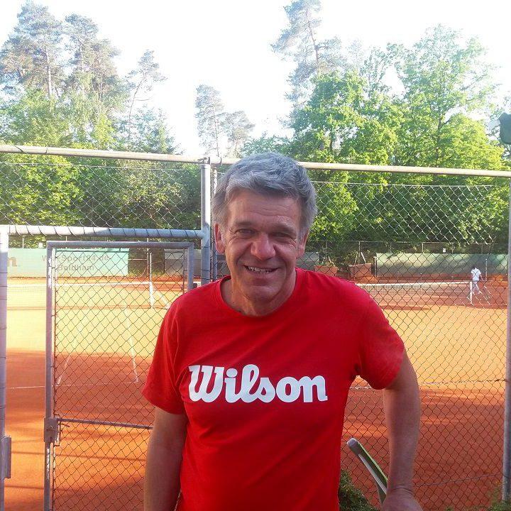 Tennislehrer Marek